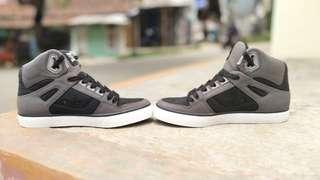 Sepatu DC Shoes Spartan High Original uk.42