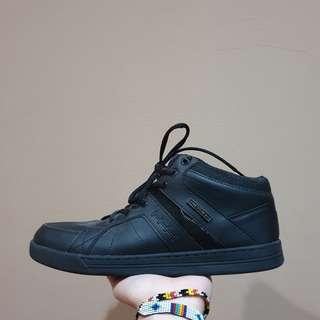 Sepatu eagle sekolah hitam bukan adidas nike
