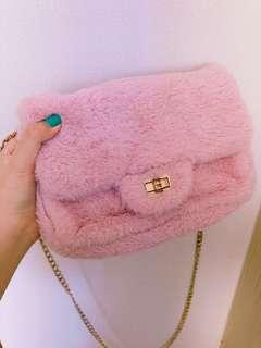 🚚 KOREAN PINK FLUFFY SLING BAG