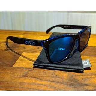 Oakley Frogskins™ (Asia Fit) Sunglasses • Sapphire Iridium Lenses • Eclipse Blue Frame OO9245-4854