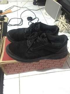 Vans Iso Perf + Black (rare)