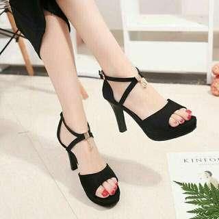 Black heels 4 inches