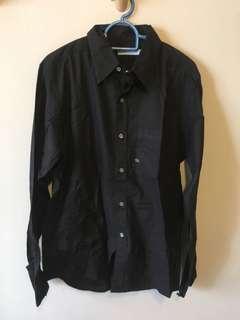Th: Black Shirt