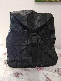Black mosaic back bag