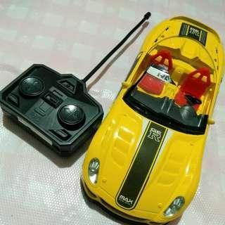 😎酷炫 遙控賽車 黃色