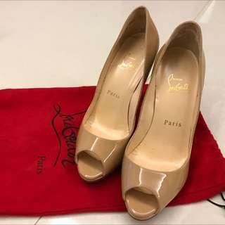 🚚 Christian Louboutin (紅底鞋)膚色