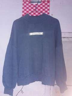 Sweater biru dongker