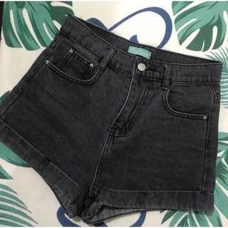 🚚 含運🉐深灰色反折高腰短褲
