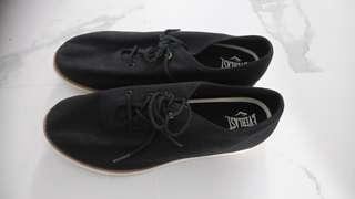 Everlast Canvas Shoes (Male, Size us 10, UK 9, jn 28)