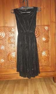 Bundling black simpl3 dress