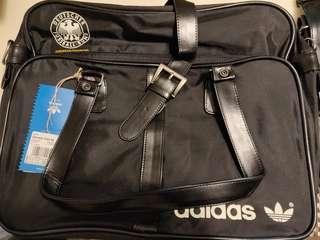 全新 正貨 adidas 德國國家隊 經典款式 手挽側孭 袋