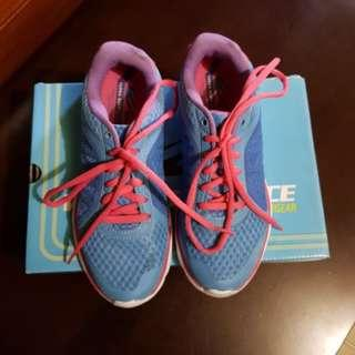 WB Running Shoes