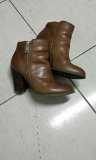 🚚 ALDO品牌女跟鞋