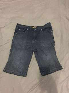 Celana Jeans Pendek Gummo Size 32