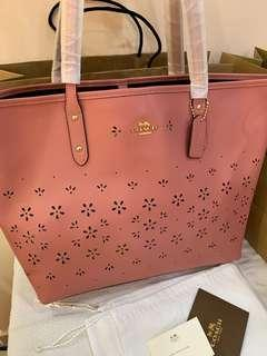 Authentic coach women city tote ready stock 28973