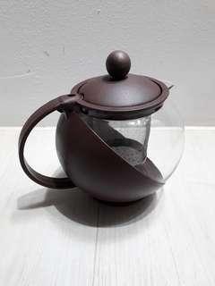Tea Pot With Strainer x2 sets