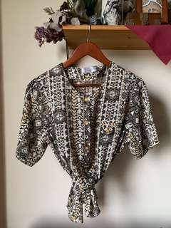 Vintage pattern button up