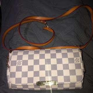 Louis Vuitton MM favourite purse (replica)