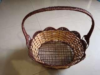 Basket with detachable handle (34cm x 38cm)