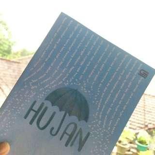 """Novel """"Hujan"""" by Tere Liye"""