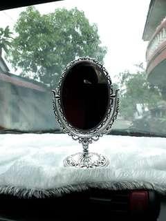 Kaca cermin rias