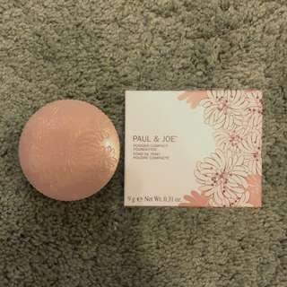 Paul & Joe Powder Compact Foundation