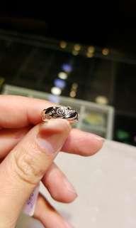 18k鑲鑽石戒指