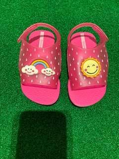 Ipamema Grendene pink Sandals