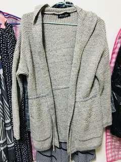 🚚 QueenShop薄針織外套