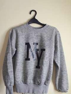 Sweater abu abu korea