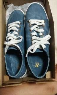 Bata lace-up sneakers