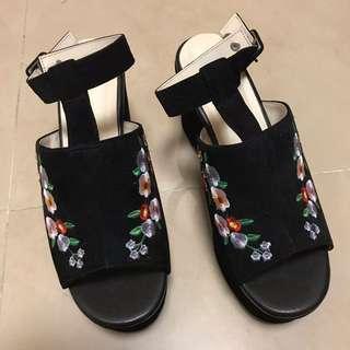 [日本購入]全新黑色碎花鬆高鞋