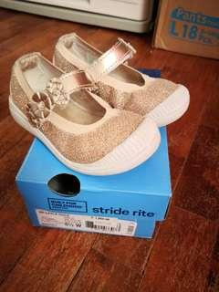 Slightly-used Stride Rite Layla Gold for Toddler Girl Size EUR 22.5 / US 6.5