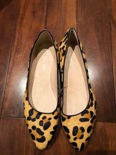 Ladies Leopard print shoes