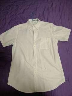 Uniqlo White Short Sleeve Shirt (L Size)