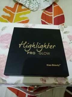 Highlighter pro glow kiss beauty