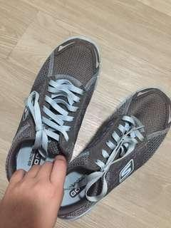 Authentic Skechers Go Run