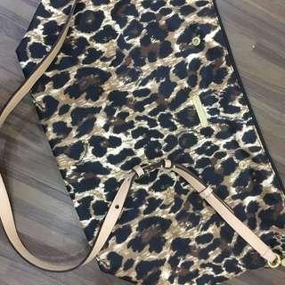 Victoria secret travel/tote bag