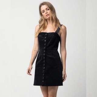 🚚 Black buttoned mini dress