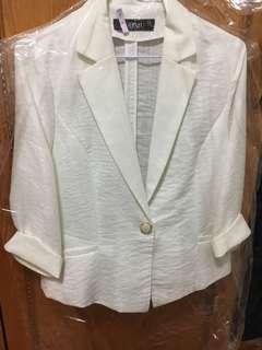 🚚 白色西裝外套