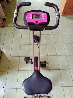 🚚 品牌健身腳踏車 少用