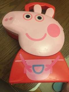 Peppa pig首飾/出街盒及新年貼紙兩張