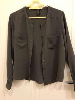 🚚 Forever21 軍綠質感襯衫