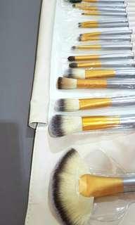 18 PCS Make Up Brush Set