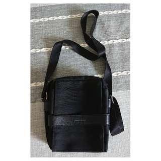 MOOK 黑色細斜揹袋,八成新 80% New