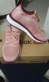 🚚 全新Reebok 女 跑鞋  24.5cm