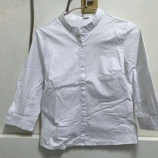 🚚 中山領白色襯衫