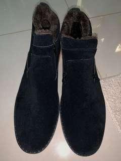Winter boots navy blue