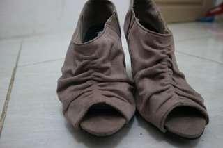 Boots heel