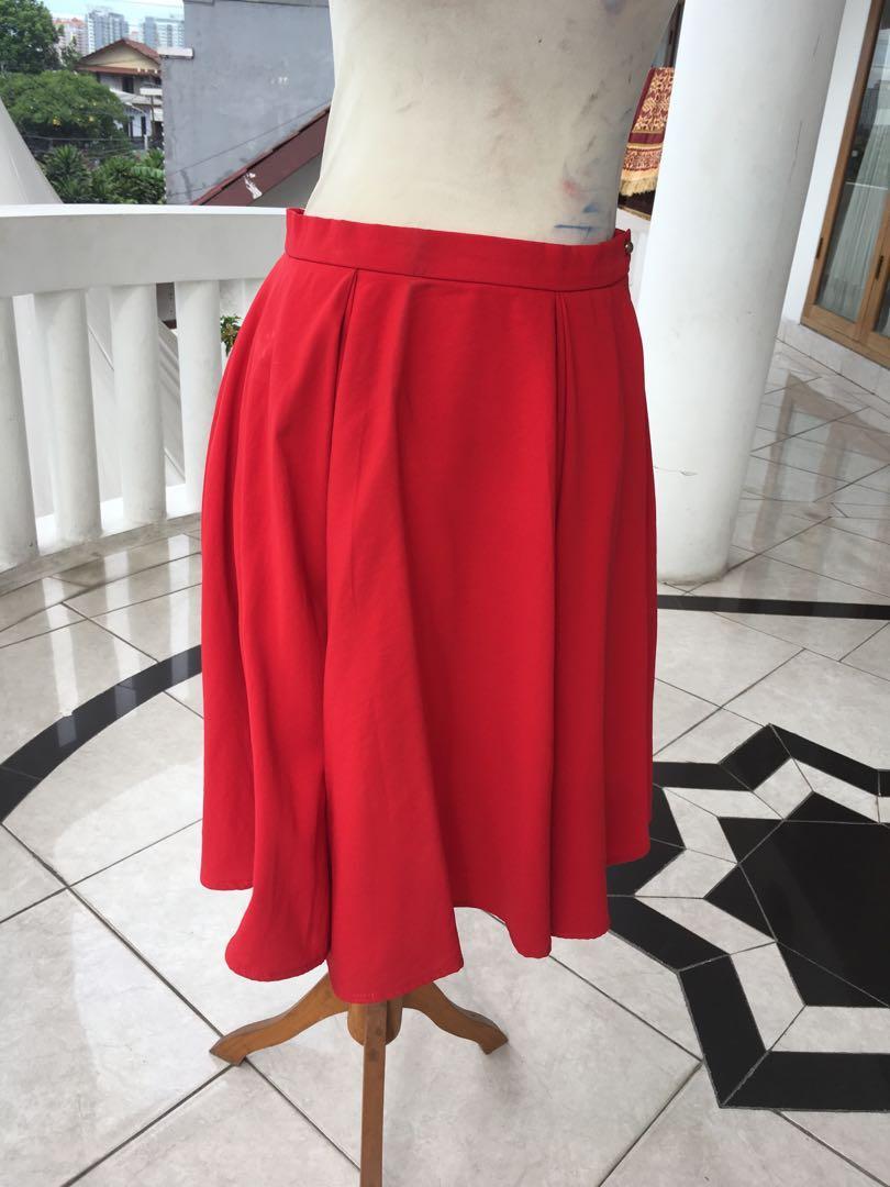 360 mid rok merah